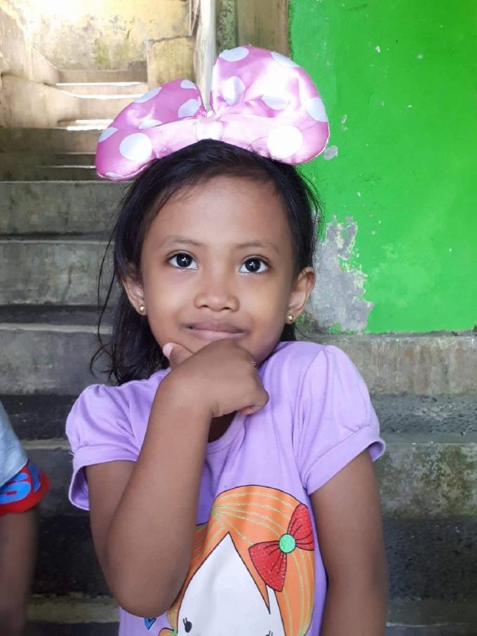 petite-fille-orphelinat
