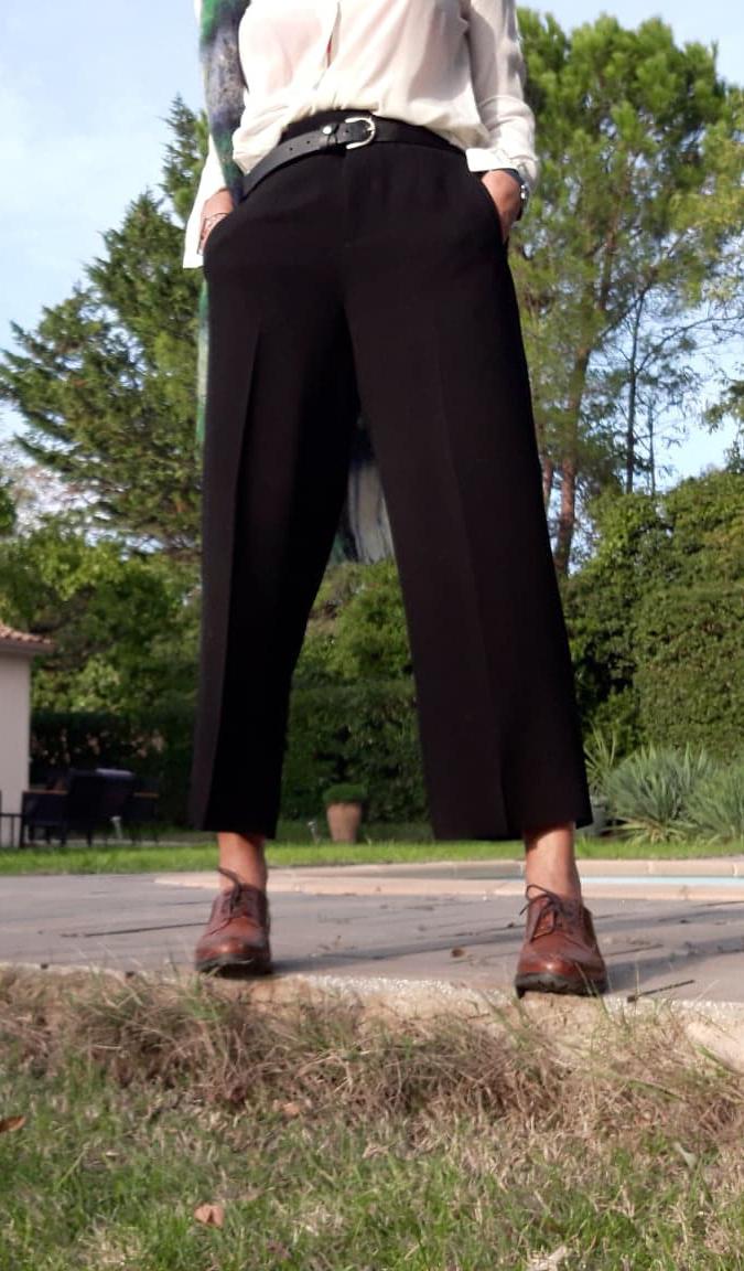 Pantalon noir et derbies
