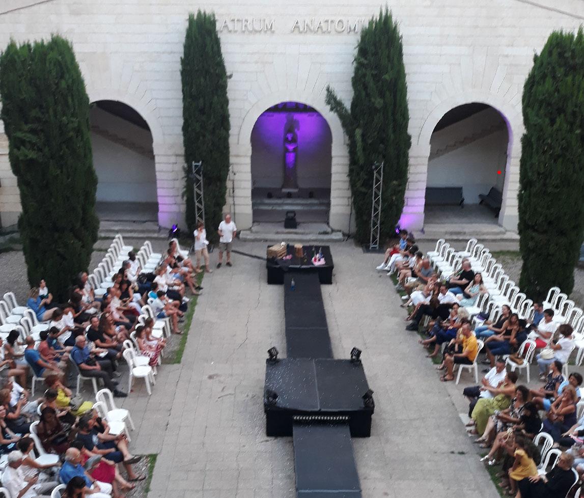 Scène éphémère à la faculté de médecine, Montpellier
