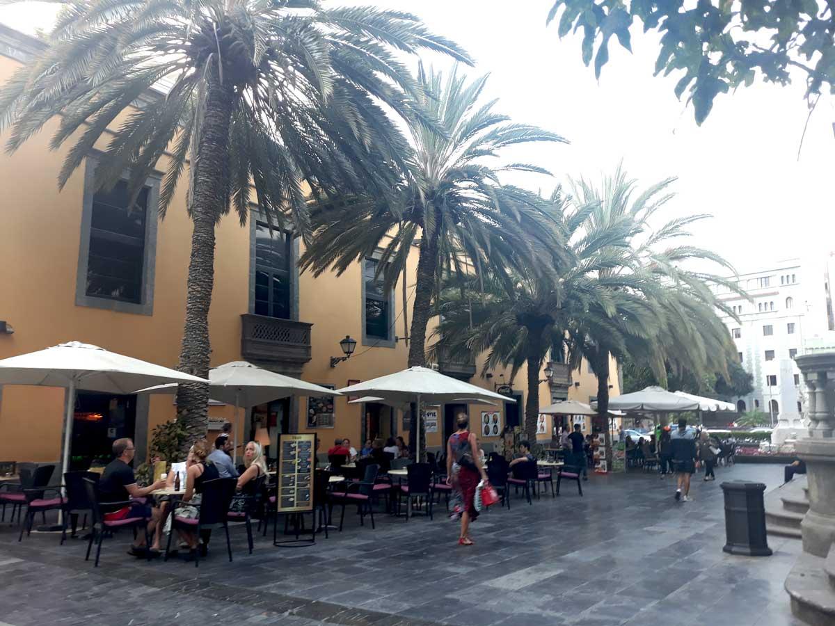 Las-Palmas-de-Gran-Canaria---Terrasses-de-café