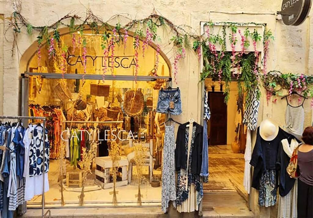 Boutique-CATY-LESCA vitrine