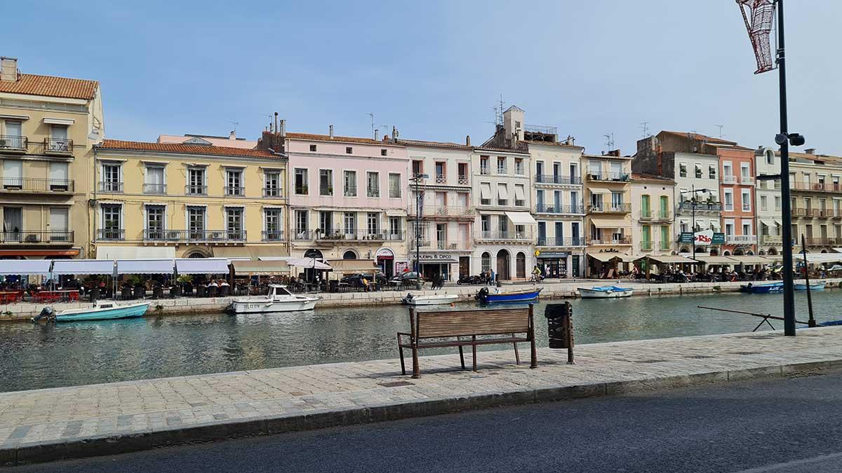 Canal-Royal-à-Sète-avec-ses terrasses